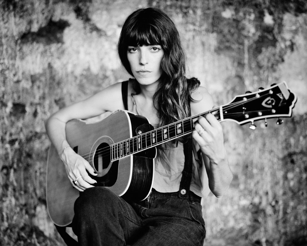 lou doillon, places, icu